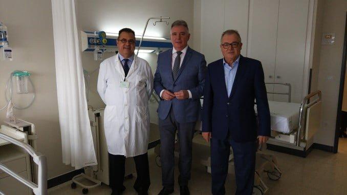 Las autoridades sanitarias visitan las obras de infraestructura del Infanta Elena