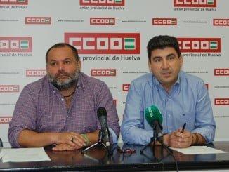 Emilio Fernández, secretario general de CCOO en Huelva y Rafael Sánchez Rufo, Coordinador provincial de Izquierda Unida en Huelva se han reunido esta mañana