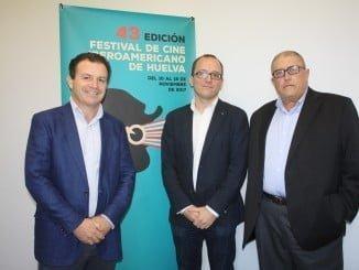 El director del Festival de Cine junto al presidente y el vicepresidente de Aedava