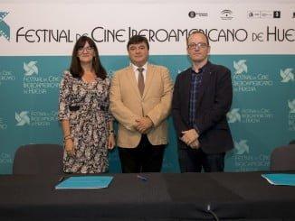 La rectora de la Onubense apuesta firmemente por el Festival de Cine