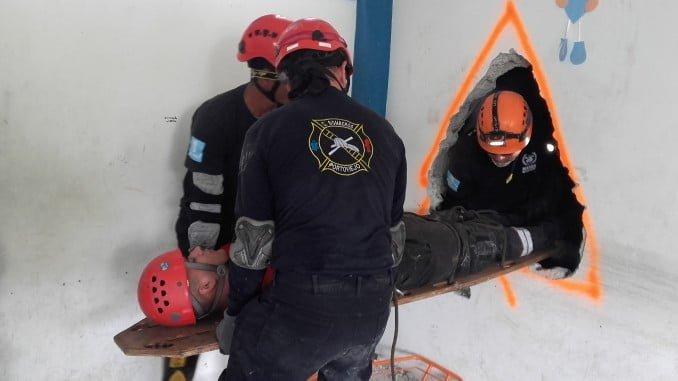 El Curso de desescombro y salvamento que impartirán los bomberos de Huelva también servirá para que ellos adquieran conocimientos nuevos