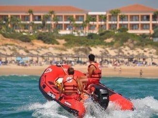 Cruz Roja Española en Andalucía cuenta con 14 puestos en 13 playas repartidas entre las provincias de Almería, Cádiz, Granada y Huelva