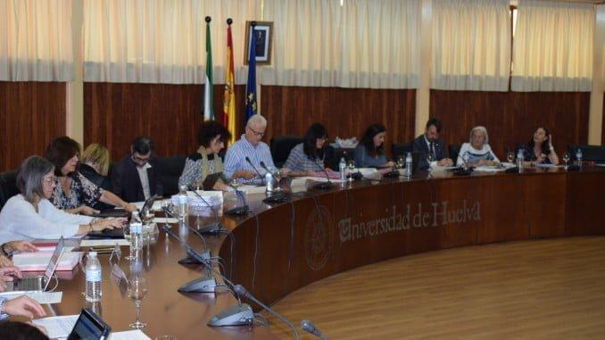El Consejo de Gobierno de la UHU   ha dado visto bueno a las memorias de verificación de siete nuevos títulos de Máster Oficiales para este curso