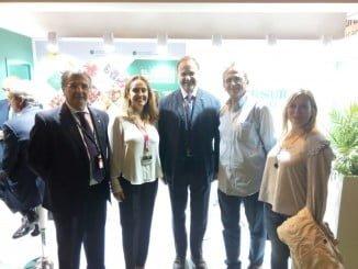 Representantes de Adesva y el presidente de la FOE, entre los asistentes en Fruit Attraction