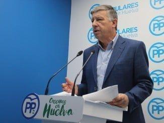 Carmelo Romero, ha informado hoy sobre la Proposición No de Ley que se debatirá mañana en el Congreso de los Diputados, en la que se instará al Gobierno a efectuar el trasvase de 15 hm3 para el Condado de Huelva