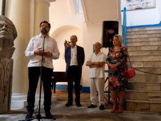 Inauguración de la exposición del  artista plástico Juan Manuel Seisdedos