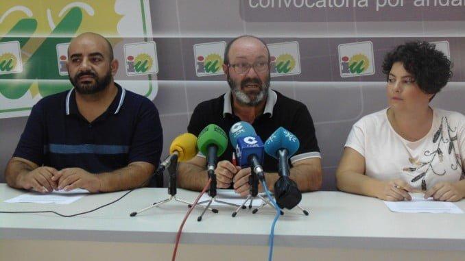 José Justo Martín, Pedro Jiménez y Rosa Villa en la sede de IU
