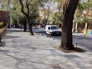 El Ayutamiento ha actuado en los alcorques y acerado de la Avenida Manuel Siurot