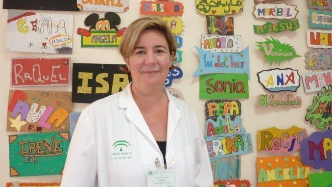 Luisa Cruz, ha sido galardonada con el premio 'FEAFES-Andalucía Salud Mental 2017' en la modalidad de profesional de reconocido prestigio