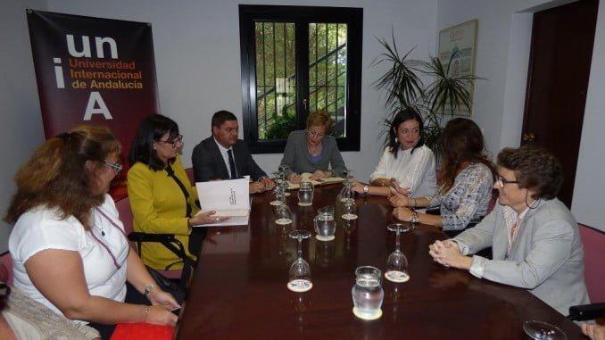 La embajadora de México durante la visita cursada a la UNIA, en La Rabida