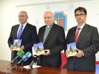 El Obispado ha acogido la presentación dela Guía del Monasterio de Santa Clara de Moguer