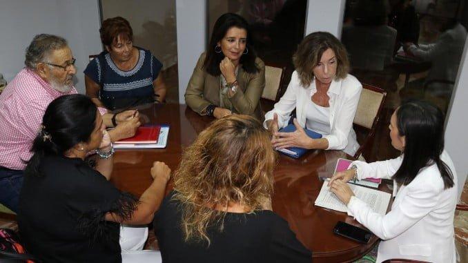Asunción Grávalos se ha reunido con la Asociación Amigos del Museo Onubense