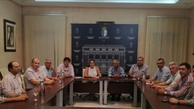 Reunión del Ayuntamiento de Almonte con la Cooperativa Agroalimentaria Virgen del Rocío