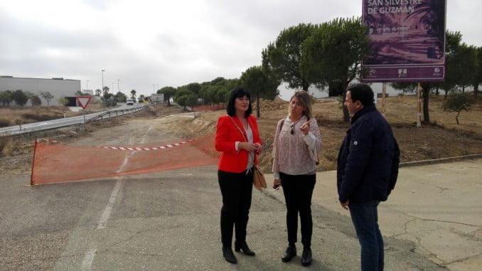 Carmen Solana visita en San Silvestre los proyectos de la Junta en turismo y deporte