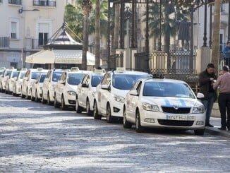 Se revocan seis nuevas licencias de taxi ante la saturacción de la oferta