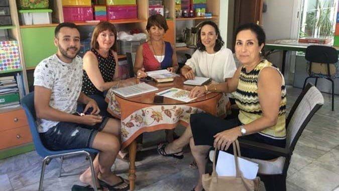 Responsables de Cepsa visitan la asociación FEAFES