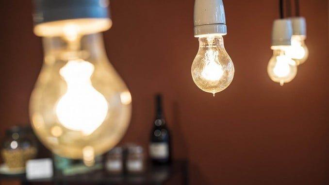 El incremento mensual del recibo de la luz ha sido del del 0,4%