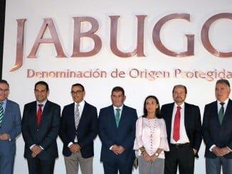 Autoridades asistentes a la presentación de la DOP Jabugo