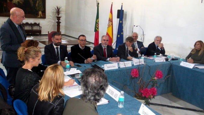Imagen de la reunión celebrada en Moguer.