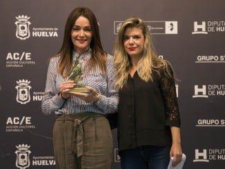 La Asociación de la Prensa de Huelva entregó en los premios paralelos el 'Manuel Barba'.