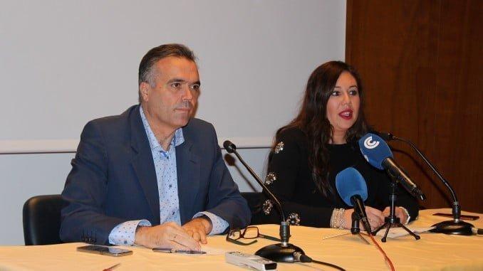 El alcalde de La Palma, Manuel García Félix, ha presentado la implantación de un nuevo servicio de comunicación de incidencias.