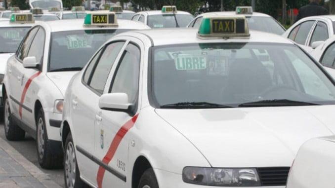 FACUA insiste en que no hay justificación para encarecer el servicio de taxis durante los fines de semana