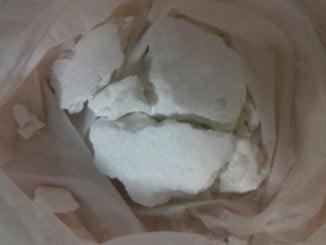 Bolsa de cocaína intervenida por la Policía Nacional en una barriada de Huelva capital