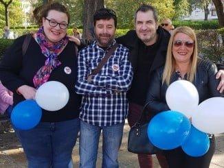 Leonor Alberto y otros integrantes de AxSí participaron en la manifestación en pro de una Sanidad digna en Huelva