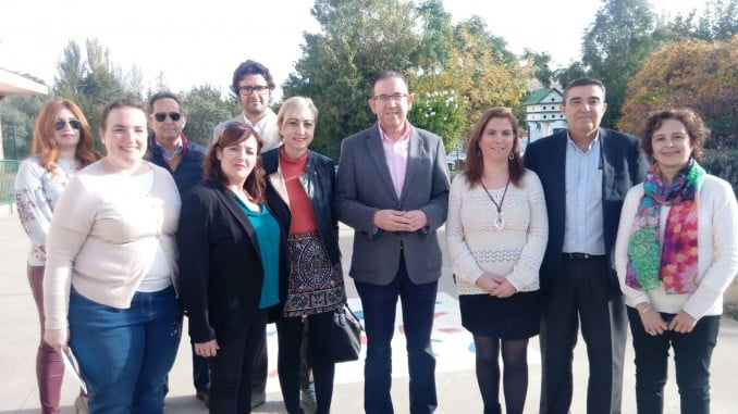 El delegado de Educación y el alcalde de Aracena visitan la Escuela Infantil La Julianita