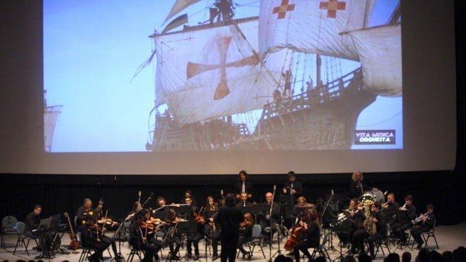El Palacio de Congresos de la Casa Colón ha acogido el concierto de la Orquesta Vita Música