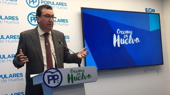 """Manuel Andrés González acusa a Susana Díaz de """"ignorar"""" a Huelva"""