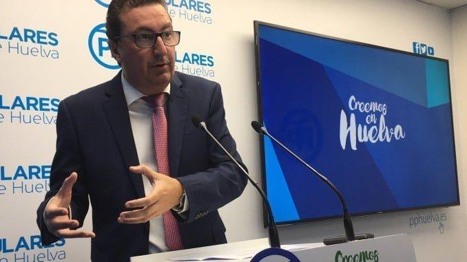 """González recuerda el """"compromiso"""" de la ministra García Tejerina para agilizar el segundo trasvase"""