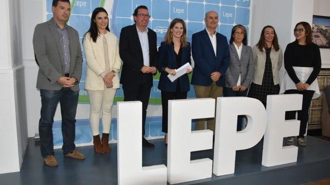 Ana Mestre ha denunciado en Lepe la deuda de la Junta por la Patrica
