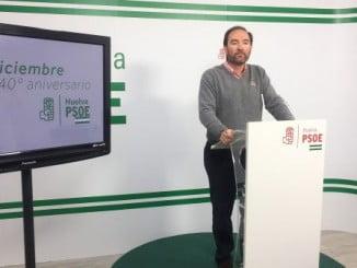 El secretario de Organización del PSOE, Pepe Fernández, en rueda de prensa