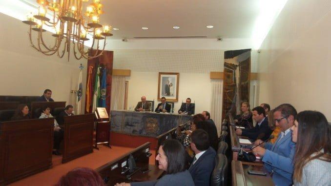 El pleno de Diputación aprueba por unanimidad las propuestas de concesión de las Medallas de Oro