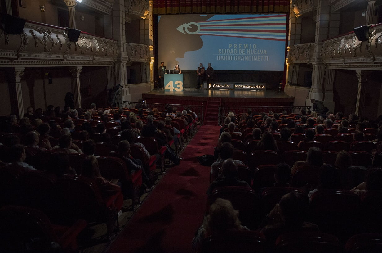 El Gran Teatro registró un lleno absoluto para acompañar al actor homenajeado