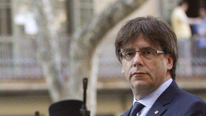 Puigdemont decide entregarse a la Policía belga y prestará declaración durante la tarde