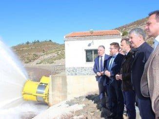 Rodrigo Sánchez Haro y José Fiscal se han reunido con regantes y han visitado la presa del Andévalo