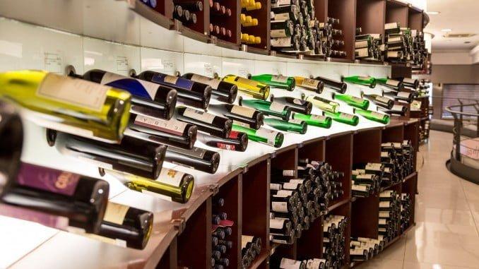 Superar las ventas del año pasado consiguiendo una experiencia de compra óptima y sobre todo que la gente disfrute bebiendo vino es el objetivo de Lavinia para este Black Friday