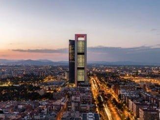Fachada del edificio CEPSA en Madrid