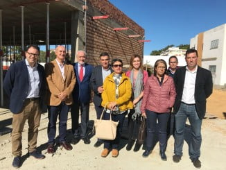 El director de la Agencia Pública Andaluza de Educación y el delegado de Educación en el Ceip Las Gaviotas