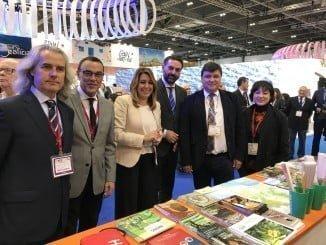 Caraballo junto a Susana Díaz y otros políticos y empresarios andaluces en la World Travel Market