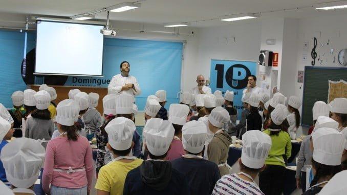 Xanty Elías en Colegio Pura Domínguez
