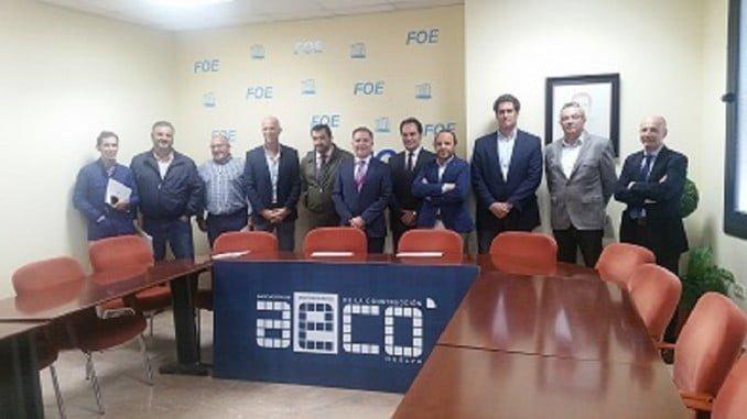Javier Mateo, reelegido presidente de AECO durante la Asamble General, junto a su nueva junta directiva