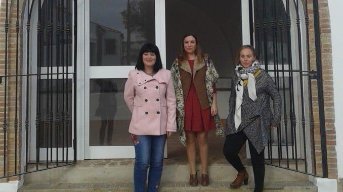 Carmen Solana, Lola Herrera y Laura Martín visitan el centro de los recursos mineros del Andévalo