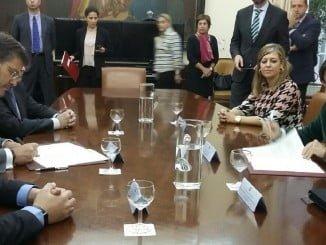 Firma de convenio entre Rafael Catalá y Rosa Aguilar en materia de Justicia