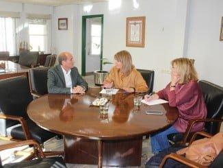 Pilar Miranda y Berta Centeno se reúnen con el nuevo director de la ONCE en Huelva