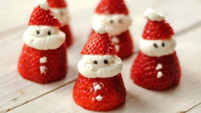 Los concursantes deben crear recetas con fresas como ingrediente principal para la mesa navideña