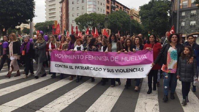 Los onubenses han mostrado su repulsa a la violencia machista por las calles de Huelva