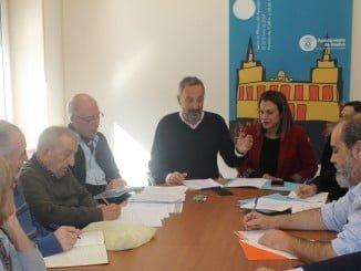 El Ayuntamiento celebra una reunión con la Comisión del Parque Moret